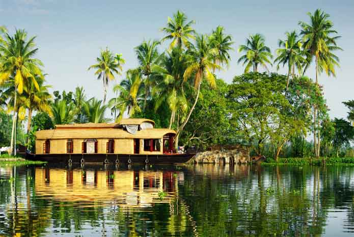 How to Discover Kerala beyond Clichés?