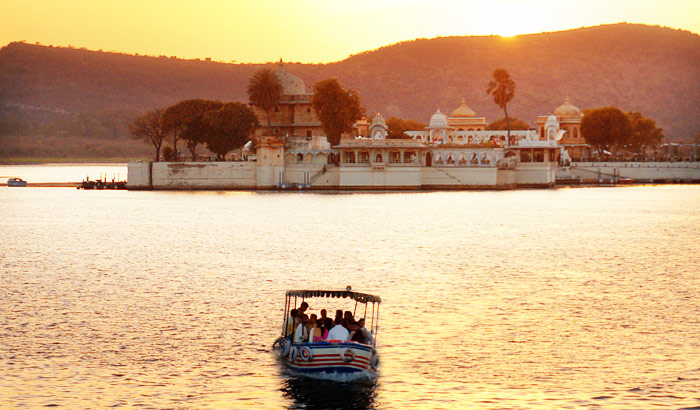 Float in Udaipur Theforbiz