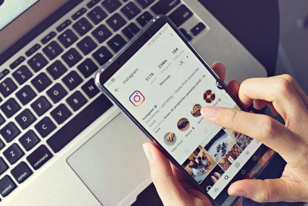How to Download Instagram Images - Theforbiz