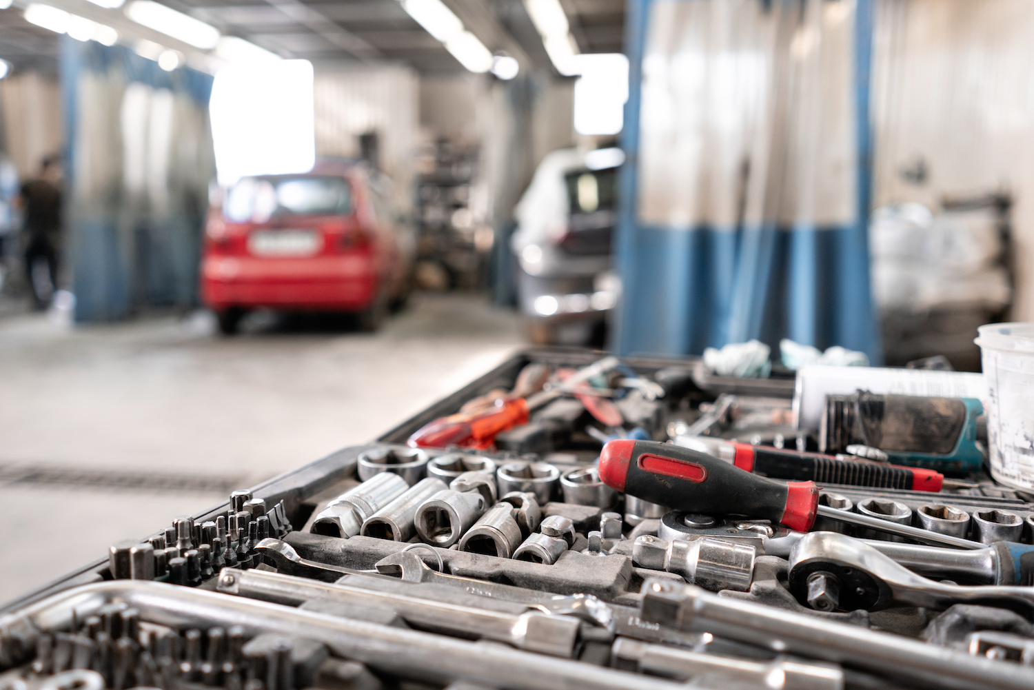 How to Choose the Right Automotive Hand Tools