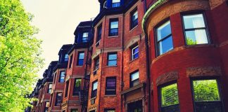 Difference between Condo and Condo Hotel and If Investment in Them is Feasible